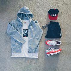 """""""or: #WDYWTgrid by @raadius #mensfashion #outfit #ootd : #Supreme #Uniqlio : #Kith : #Nike #Airmax Lunar 1 #WDYWT for on-feet photos #WDYWTgrid for…"""""""