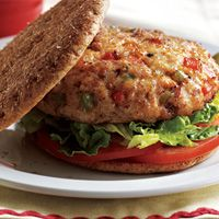 Fiesta Turkey Burgers with lean ground turkey & Whole Wheat Thin Rounds