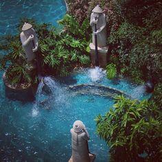 Sheratonsanya sculptures at the pool