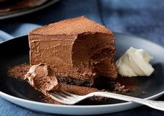 Tarts, mousse, cake, sauces – the possibilities of chocolate are endless and we think you'll love these recipe ideas. Just Desserts, Delicious Desserts, Dessert Recipes, Gourmet Desserts, Plated Desserts, Cake Recipes, Chocolate Mousse Cake, Chocolate Desserts, Food Cakes