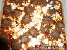 Great recipe for Keftedakia in the oven. Keftedakia (Greek meatballs) in the oven with a tomato sauce flavored with basil. An amazing dish, easy and quick to make. A great recipe by Elias Mamalakis. Recipe by SUMMER Oven Recipes, Cookbook Recipes, Dessert Recipes, Cooking Recipes, Greek Meatballs, Greek Dishes, Greek Recipes, Different Recipes, Yummy Food