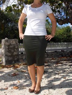 So Sew Easy - 30 minutes to a sexy skirt.  Step by step tutorial on how to make this yourself.