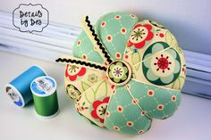 Quick pin cushion to make with fabric scraps.