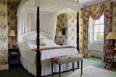 The Lake Room - bedroom at Bowood House - an eighteenth-century English country house with grand Robert Adam interiors and Capability Brown landscapes - stately homes on HOUSE.