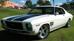 Cool Holdens and Cars Australian Muscle Cars, Aussie Muscle Cars, Best Muscle Cars, Hot Rod Movie, Holden Kingswood, Hq Holden, Holden Monaro, Holden Australia, Custom Muscle Cars