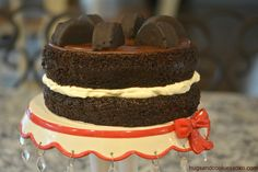 Ring Ding Layer Cake - Hugs and Cookies XOXO Frosting Recipes, Cake Recipes, Yummy Recipes, Super Moist Chocolate Cake, Stabilized Whipped Cream, Cake Decorating, Bakery, Snack Cakes, Food Porn