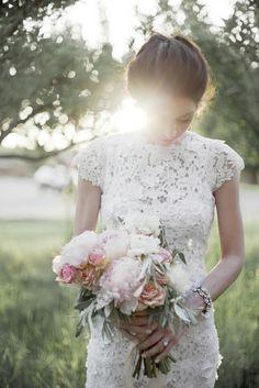 Summer blush #bouquet by Sarah Winward, photo by Chudleigh #Wedding