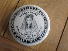 VERY RARE PRICE & GOSNELL PICTORIAL LONDON TOOTHPASTE POT LID