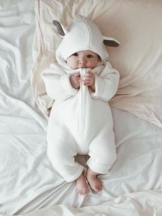 So Cute Baby, Cute Baby Pictures, Baby Kind, Cute Baby Clothes, Cute Kids, Cute Asian Babies, Korean Babies, Cute Babies, Asian Kids