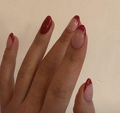 Pin on makeup / hair / nails - Nageldesign - Nail Art - Nagellack - Nail Polish - Nailart - Nails Frensh Nails, Hair And Nails, Red Tip Nails, Glitter Nails, Red Manicure, Nagel Blog, Nail Polish, Fire Nails, Minimalist Nails