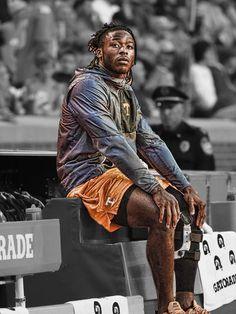 Alvin Kamara in street clothes Nfl Saints, New Orleans Saints Football, Football And Basketball, Football Players, Street Outfit, Street Clothes, Alvin Kamara, Street Basketball, San Antonio Spurs