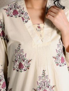 Ivory-Pink Printed Cotton Kurta - Suit World Neck Designs For Suits, Dress Neck Designs, Designs For Dresses, Blouse Designs, Kurta Designs Women, Salwar Designs, Kurta Patterns, Dress Patterns, Kurti Embroidery Design
