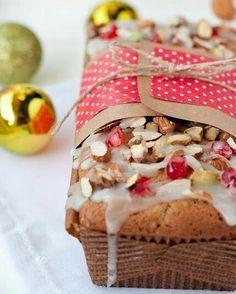 New fruit desserts christmas pound cakes Ideas Bake Sale Packaging, Cake Packaging, Christmas Desserts, Christmas Baking, Center Blog, Easy Desserts, Dessert Recipes, New Fruit, Sweet Recipes