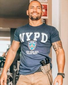 Pretty sure I've pinned this dude before, but he's worth a second save. Hot Cops, Hairy Men, Bearded Men, Scruffy Men, Mode Man, Men In Uniform, Military Men, Good Looking Men, Muscle Men