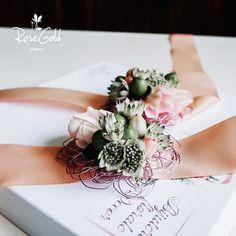 Aranjamente Florale pentru Nunti, buchete, decorațiuni. Calitate și creativitate pentru nunți și botezuri minunate! Suna-ma chiar acum! Floral Wedding, Wedding Flowers, Bucharest, Ideas, Design, Thoughts, Bridal Flowers