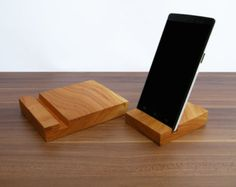 stand iPad et iPhone. 1 x bois iPad Stand. 1 x iPhone en bois debout. Cerise iPad Dock. iPhone stand en bois.