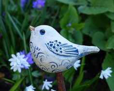 Small, freely modeled ** ceramic bird ** in blue-gray tones made of frost-resistant, . Small, freely modeled ** ceramic bird ** in blue-gray tones made of frost-resistant, marbled stonew Ceramic Birds, Ceramic Art, Delaware, Bird Sculpture, Stoneware Clay, Blue Grey, Carpe Diem, Artist, Boards