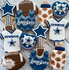"If you want to lean in to the UW theme - I think doing baby onesie w/ the ""W"" on it or a rattle with the ""W"" at the top would be super cute. (or a bib or bottle! Distintivos Baby Shower, Cowboy Baby Shower, Baby Shower Treats, Baby Shower Cookies, Baby Shower Parties, Shower Set, Dallas Cowboys Nursery, Dallas Cowboys Party, Dallas Cowboys Baby Shower Ideas"