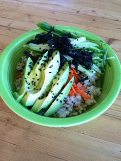 Sushi Bowls with Garlic Ginger Dressing - Gluten Free, Vegan, Vegetarian, Healthy -         Photo & Recipe credit: beginwithinnutrition.wordpress.com An incredibly easy way to eat a sushi without the hassle of rolling it up right. And this looks gorgeous too. Add julienned slices or chunks of any vegetables you fancy.#vegan, #vegetarian, #gluten free, and #healthy.#foodsniffr Sign Up For F