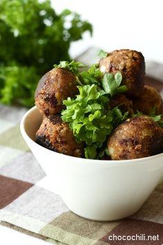 papupyörykät on Chocochili Veggie Recipes, Wine Recipes, Vegetarian Recipes, Healthy Recipes, I Love Food, Good Food, Sweet And Spicy, Healthy Cooking, Healthy Food