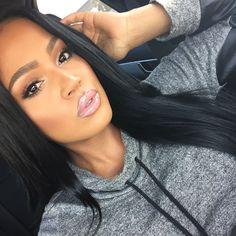 "@myvidalux ""pinky"" lip gloss"