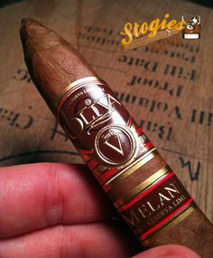 This Oliva Serie V Melanio is an incredibly rich cigar that is packed full of flavor and beyond complex! A great smoking experience and easily a Whisky, Cigars And Whiskey, Good Cigars, Man Smoking, Cigar Smoking, Cuba Cigar, Cigar Reviews, Cigar Art, Premium Cigars