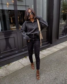 A French Girl Thinks These Are the 6 Chicest Skinny-Jean Outfits You Can Wear Skinny Jeans Heels, Girls Skinny Jeans, Jeans With Heels, Denim Fashion, Girl Fashion, Fashion Outfits, Jean Outfits, Cool Outfits, Summer Outfits