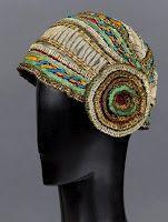 Evening cloche-style hat by Paul Poiret Paul Poiret, Belle Epoque, Mega Fashion, Fashion 2018, Fashion Ideas, Vintage Outfits, Vintage Fashion, Flapper Hat, Victorian Hats