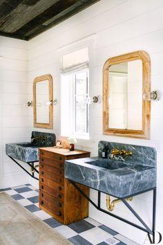 North Carolina home of Andy Roddick & Brooklyn Decker Architectural Digest, Bathroom Interior Design, Home Interior, Interior Colors, Interior Plants, Brooklyn Decker, North Carolina Homes, Decoration Design, Beautiful Bathrooms