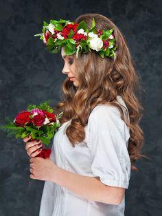 Rote und weiße Rosen sehen nicht nur in einer Vase gut aus, sondern auch im Haar - mit etwas Grün ist der sommerliche Blumenkranz perfekt!window.vn && window.vn.onInit.app.push(function(){window.vn.plugins.loadTracdelight();});Testet euch: Welche Pflanze passt zu mir?