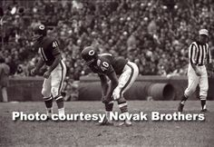Brian Piccolo and Gale Sayers friendship . Bears Football, Sport Football, Sports Teams, 1985 Chicago Bears, Brian's Song, Gale Sayers, Cartoon People, My Kind Of Town, People Of Interest