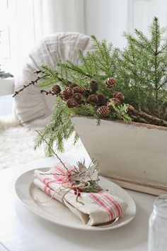 VIBEKE DESIGN: Norwegian and tiny little French red Christmas ....