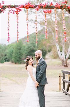 Floral filled southwestern wedding. Captured By: Brooke Aliceon #weddingchicks http://www.weddingchicks.com/2014/10/08/floral-filled-southwestern-wedding/