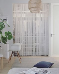 Vaatehuone / walk-in closet, Scandinavian interior