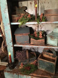 primitive country homes picture Primitive Christmas Decorating, Primitive Country Christmas, Prim Christmas, Simple Christmas, Christmas Decorations, Prim Decor, Country Decor, Rustic Decor, Primitive Decor
