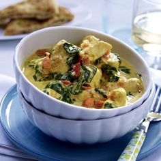Our popular recipe for chicken coconut curry with spinach and more than other free recipes on LECKER. Our popular recipe for chicken coconut curry with spinach and more than other free recipes on LECKER. Spinach Recipes, Healthy Chicken Recipes, Low Carb Recipes, Free Recipes, Recipe Chicken, Shrimp Recipes, Curry Recipes, Popular Recipes, Soul Food
