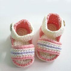 25 Easy Crochet Newborn Baby Booties | DIY to Make