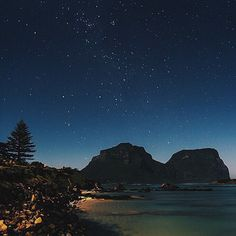 Stargazing on Lord Howe Island. - Travel Australia - Click the image to book your island getaway! Photo by @oldtown_photography | Instagram.