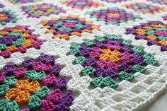 Granny square blanket | Candy-Addict.org