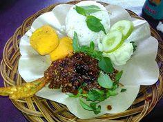 Masak Ala Mom Nayla: Ayam Penyet Halimun, Sambelnya Nampol