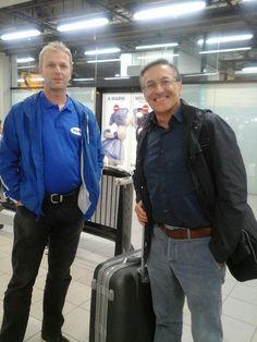 Erik e Fabio Civitelli no aeroporto de Amesterdão - 2014