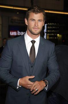 01/08/2015 - Chris Hemsworth -