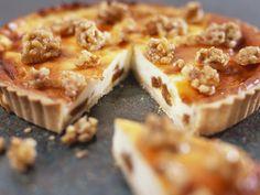 Käsekuchen mit Walnüssen | Zeit: 1 Std. 10 Min. |http://eatsmarter.de/rezepte/kaesekuchen-mit-walnuessen