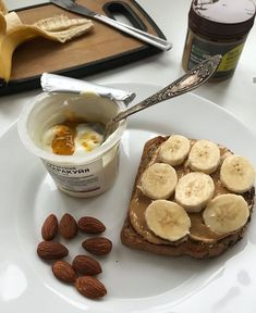 Yummy tasty food aesthetically pleasing toasted peanut butter banana yogurt almond honey Think Food, Love Food, Healthy Snacks, Healthy Recipes, Breakfast Healthy, Breakfast Ideas, Healthy Midnight Snacks, Kefir Recipes, Banana Breakfast