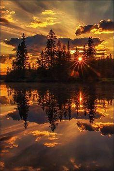 Sunrise, sunset - Nature and Places - Beautiful World,As the world turns. Beautiful Sunset, Beautiful World, Beautiful Images, Beautiful Forest, Stunningly Beautiful, Beautiful Scenery, Absolutely Gorgeous, Beautiful Things, Jolie Photo