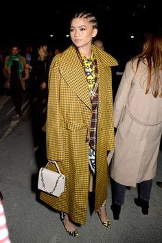 Zendaya at the Burberry fashion show during the London Fashion Week in London - February 2018 Zendaya Street Style, Mode Zendaya, Zendaya Outfits, Zendaya Coleman, Fashion Week, Girl Fashion, Fashion Show, Fashion Ideas, Burberry