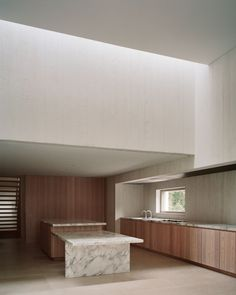 Villa Waalre by Russell Jones. Designed by Russell Jones, Villa Waalre is a minimalist house located in Eindhoven, The Netherlands. Home Interior, Kitchen Interior, Interior Design, Retail Interior, Interior Architecture, Kitchen Layout, Kitchen Design, Russell Jones, Modern Outdoor Kitchen