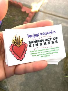 Instructions on how to print these cards. Why not start the New Year with a happy note - like a Random Act of Kindness! This is where you go out of your way to do something helpful or nice for a friend…
