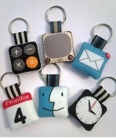 iPhone icon Felt Keychain Set of 3 by rabbitrampage on Etsy Felt Diy, Felt Crafts, Fabric Crafts, Kids Crafts, Sewing Crafts, Handmade Felt, Felt Keychain, Iphone Icon, Iphone App