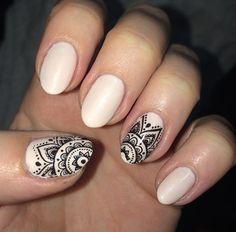 Resultado de imagen para uñas con decoracion de con mate